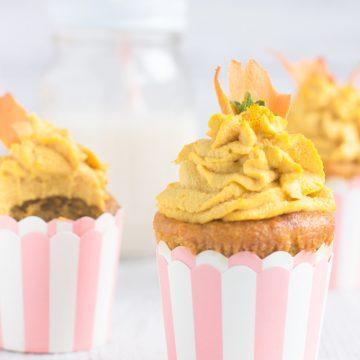 vegan ginger carrot cupcakes with yogurt and raw vegan frosting