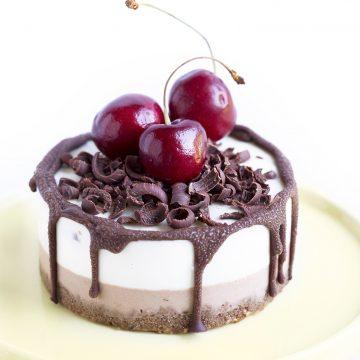 CREAMY & DELICIOUS Vegan Glutenfree Raw CHOCOLATE CHERRIES CHEESECAKE // Cheesecake CIOCCOLATO & CILIEGIE #raw #vegan #senzaglutine #blackforest