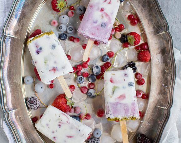 Amazing and delicious Summer BERRIES and COCONUT CREAM POPSICLES ICE CREA | VEGAN RAW GLUTENFREE