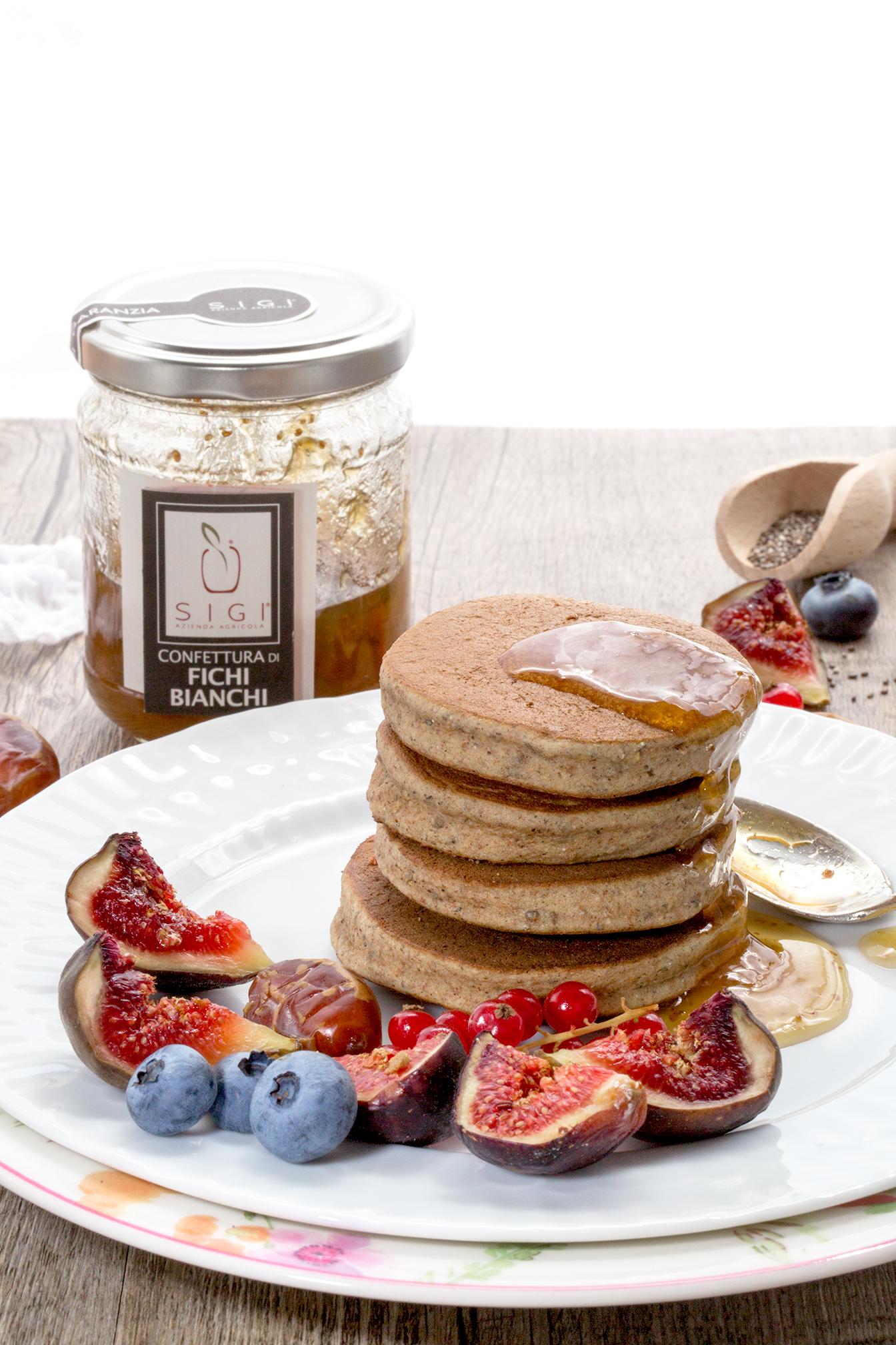 pancakes vegan senza glutine con grano saraceno e datteri | vegan glutenfree buckwheat figs pancakes