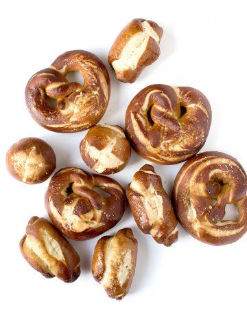 Vegan laugen and vegan pretzel | panini soffici vegan laugen e vegan pretzel facili e buonissimi