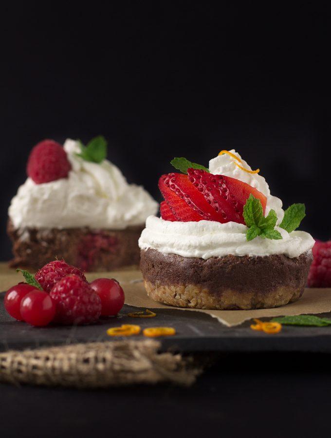 NOBAKE BANANA CHOCOLATE CHEESECAKE CUPCAKES | VEGAN + GF