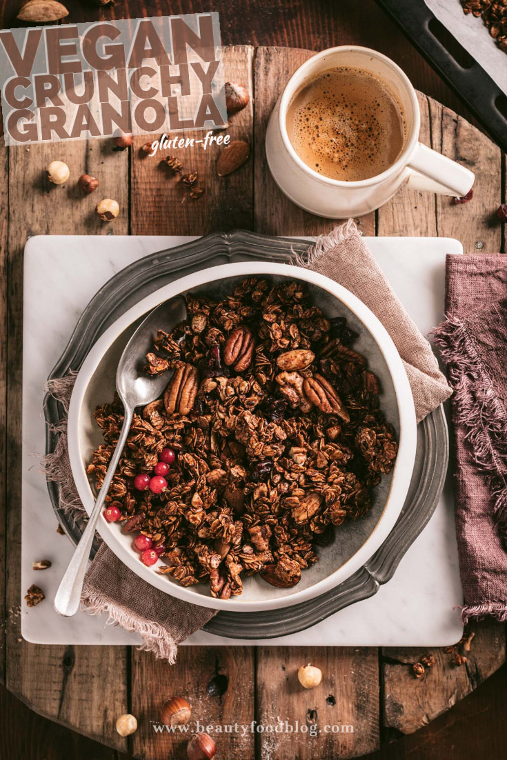 the best vegan crunchy spiced nut granola clusters autumn granola recipe with oats buckwheat cacao powder gluten-free ricetta granola croccante cacao light facilissima
