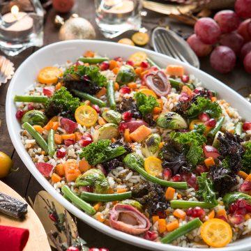 Lentils and rice salad with pumpkin, kale, pomegranate, bruxelles sprouts and fruits #vegan #glutenfree / Insalata tiepida di riso e lenticchie con verdure e frutta esotica #senzaglutine #vegan