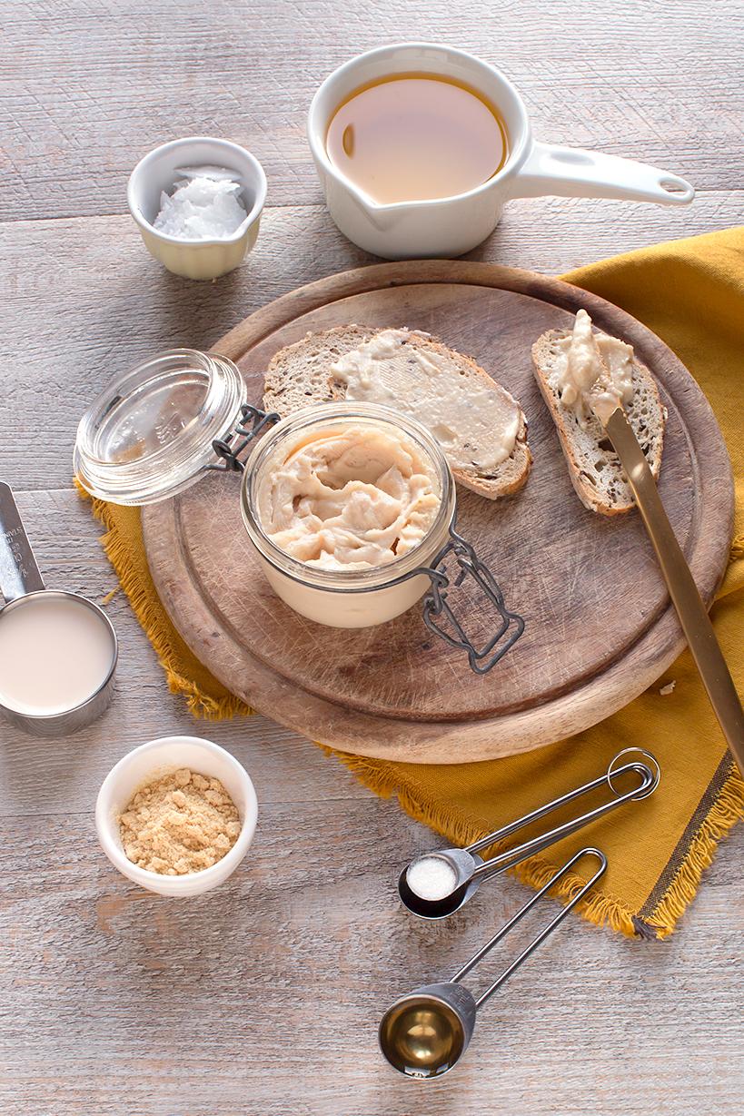 healthy lowfat homemade easy vegan butter // burro vegan all'olio fatto in casa facile ricetta sana perfetta