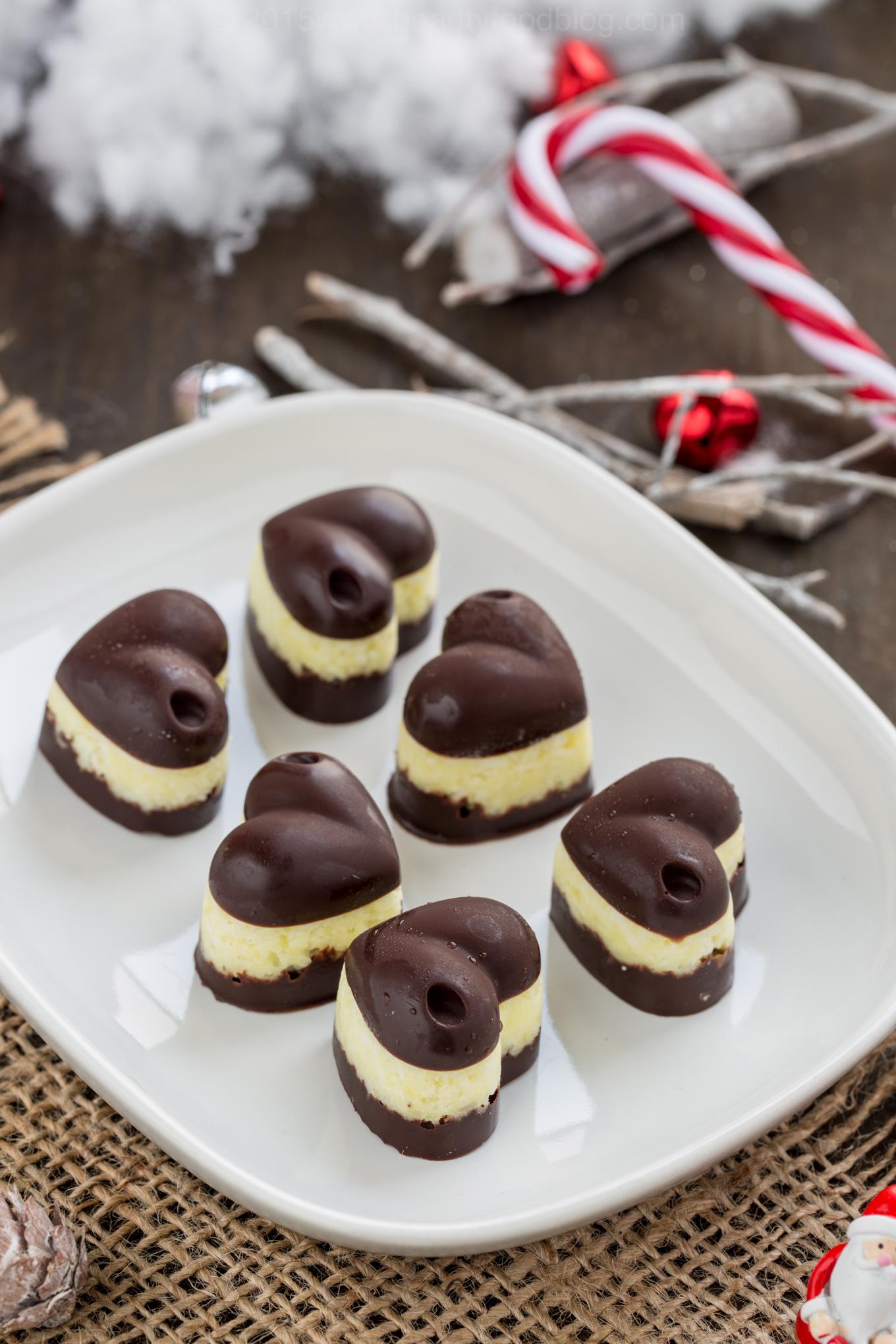 Vegan #chocolate #coconut pineapple truffles glutenfree ! cioccolatini al cocco e ananas vegan senza glutine senza burro #natale