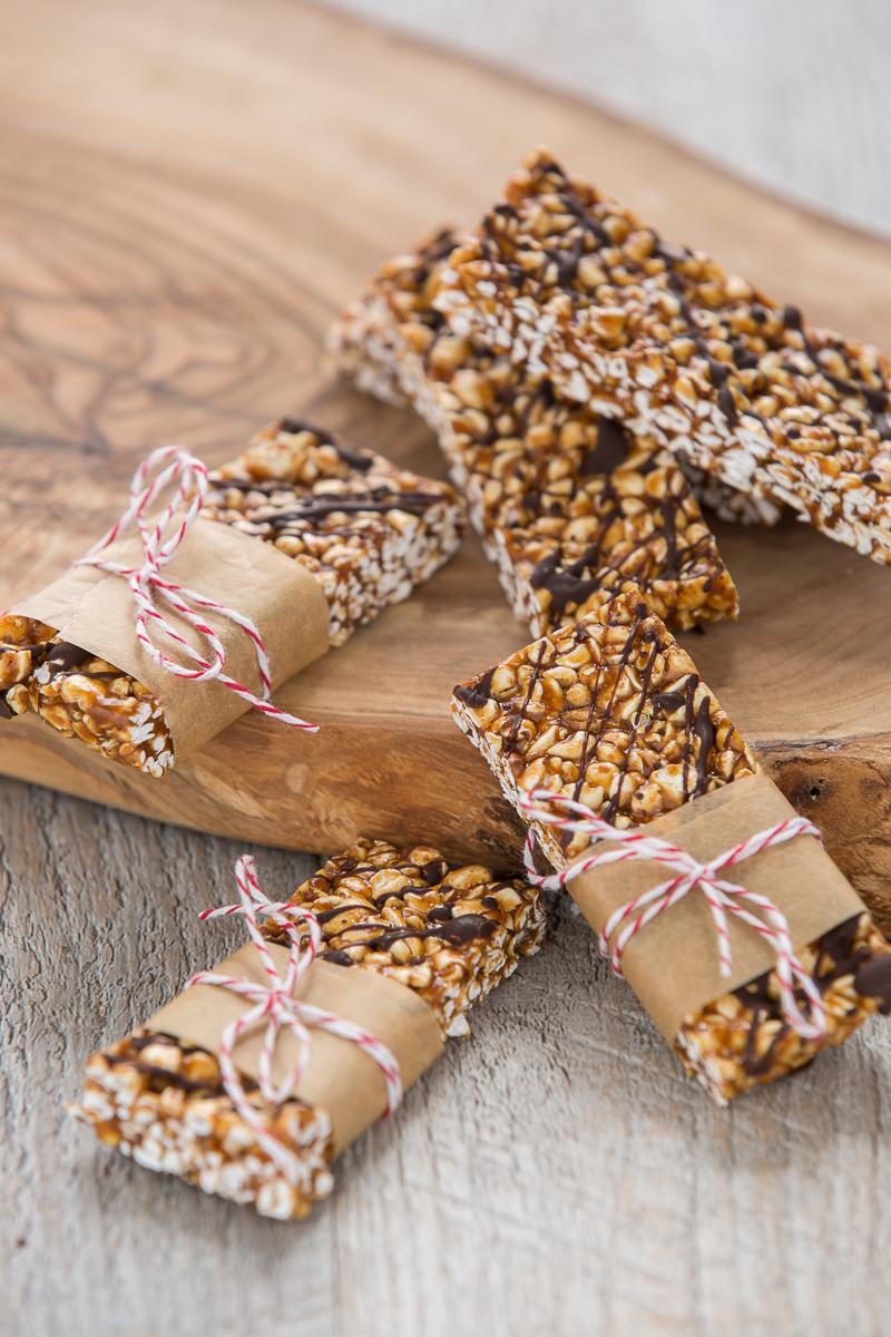 3 ingredients puffed buckwheat peanut butter chocolate vegan energy bars #vegan #glutenfree recipe