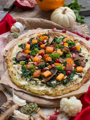 #vegan #glutenfree ROSTI POTATOES PIZZA recipe with kale, pumpkin, mushrooms and pomegranate. low fat #easy | Ricetta Rosti pizza di patate senza glutine vegan con kale, zucca e melagrana