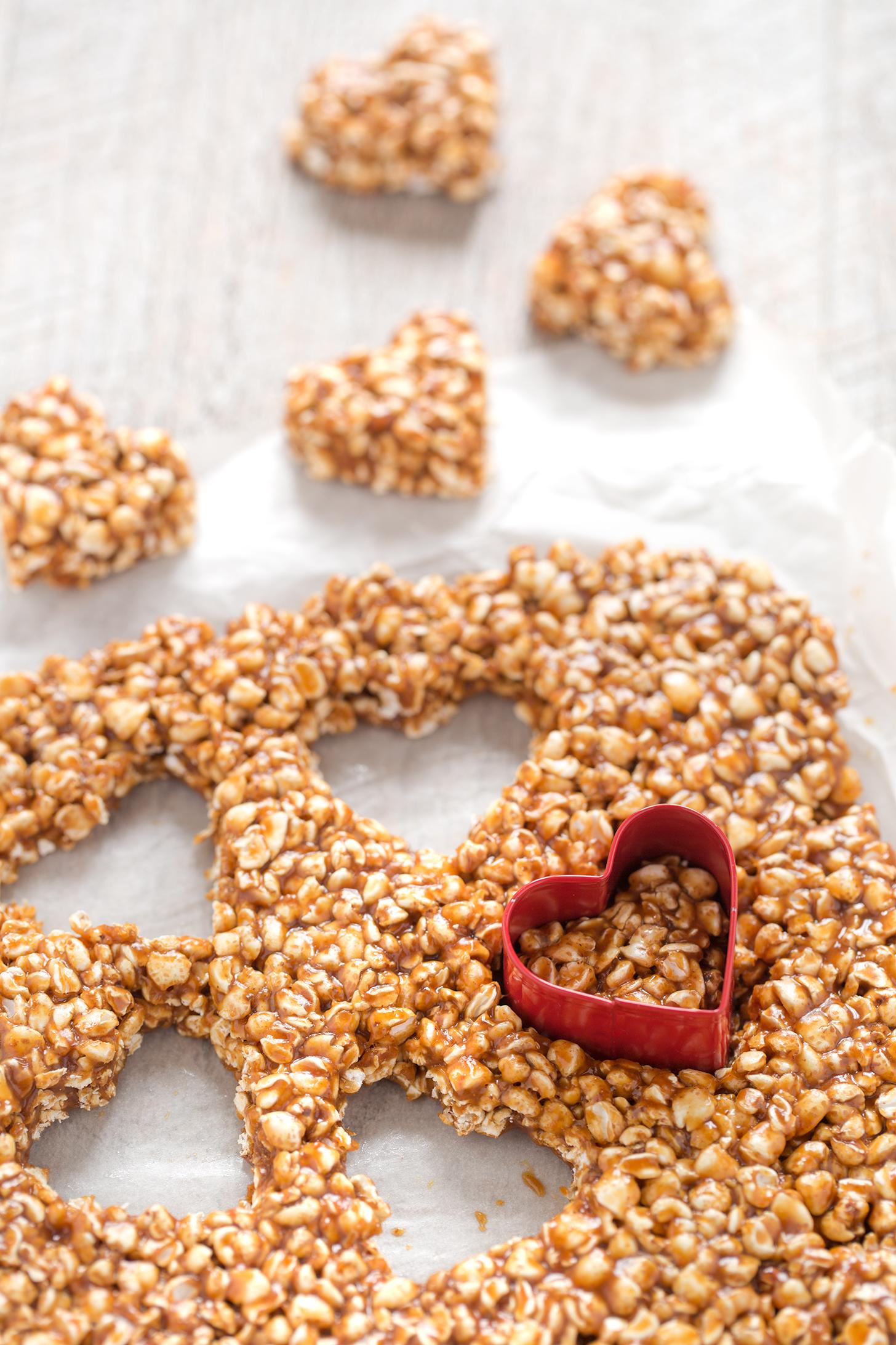 san valentino barrette energetiche grano saraceno e peanut butter | 3 ingredients puffed buckwheat peanut butter energy heart bars buckwheat recipe valentine's day