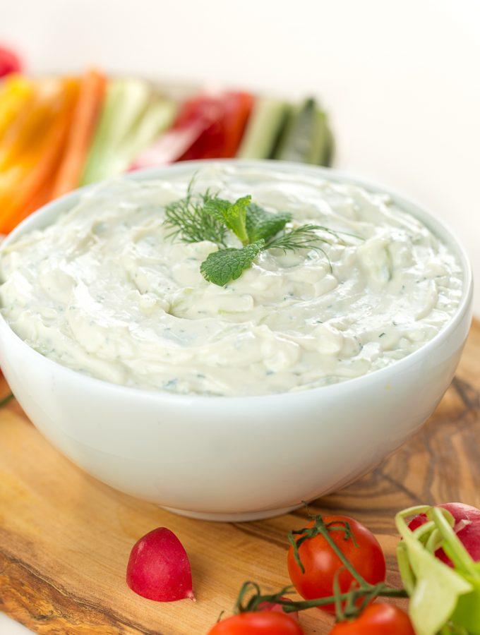 Ricetta TZATZIKI VEGAN | Salsa allo yogurt di soia