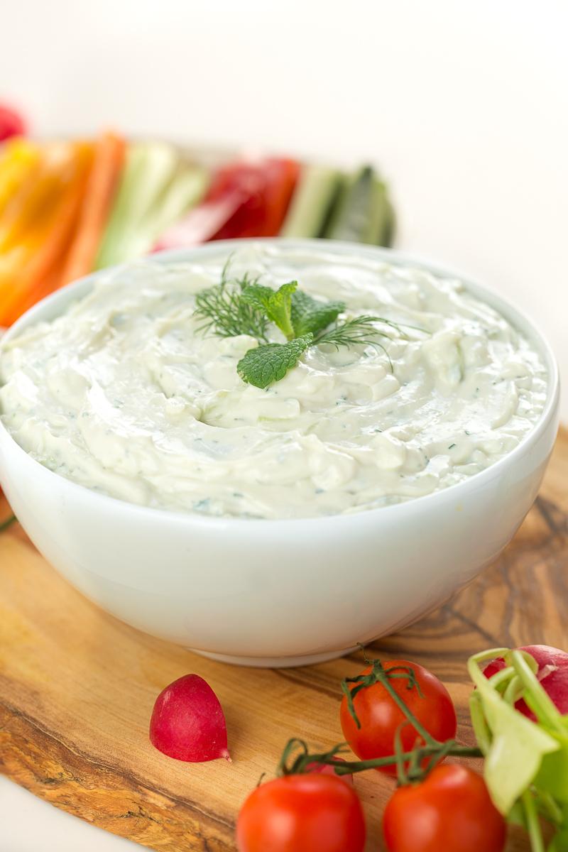 Ricetta TZATZIKI VEGAN   Salsa allo yogurt di soia
