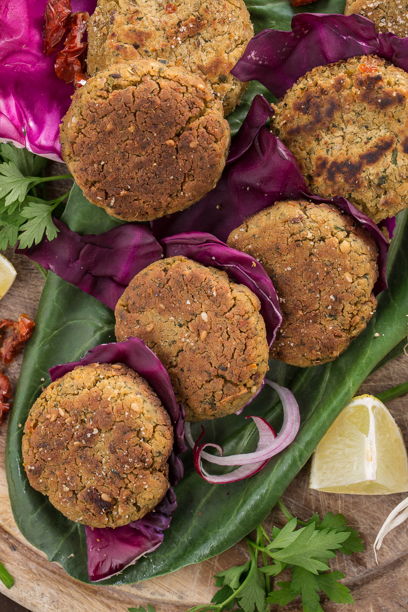 vegan baked falafel recipe or pan fried falafel #glutenfree #vegan #easy and #healthy : ricetta falafel al forno con pomodori secchi senza glutine ricetta facile