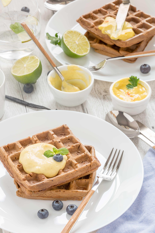 #vegan #glutenfree #mango #waffles sweet and savoiry / 2 types with mango vanilla sauce and mango mayo recipe |ricetta waffles al mango senza uova con crema di mango e vaniglia