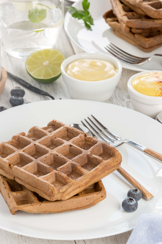 #vegan #glutenfree #mango #waffles sweet and savoiry / 2 types with mango vanilla sauce and mango mayo recipe | ricetta waffles integrali al mango waffles vegan senza glutine con dressing al mango