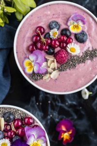 pink berries smoothie bowl