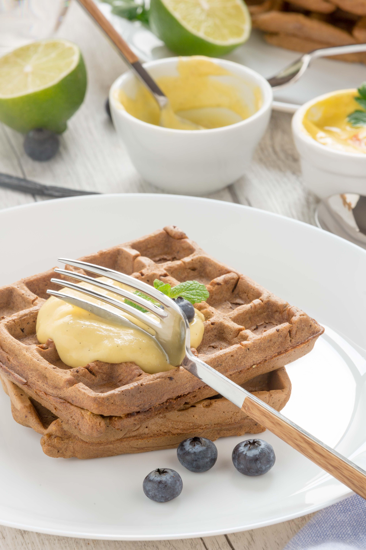 #vegan #mango #waffles with mango sauce and mango #mayo #glutenfree with blueberries |waffles al mango senza uova con crema di mango e vaniglia waffles vegan senza glutine
