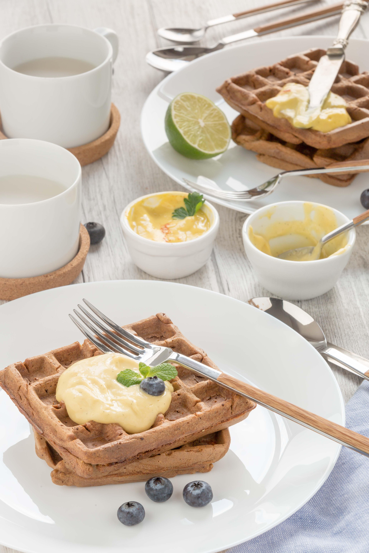 #vegan #glutenfree #mango #waffles sweet and savoiry / 2 types with mango vanilla sauce and mango mayo | waffles al mango senza uova con farina di riso