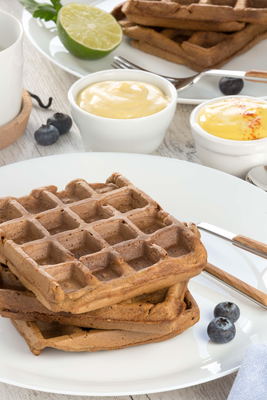 #vegan #glutenfree #mango #waffles sweet and savoiry / 2 types with mango vanilla sauce and mango mayo |waffles integrali al mango senza uova waffles vegan senza glutine con dressing al mango