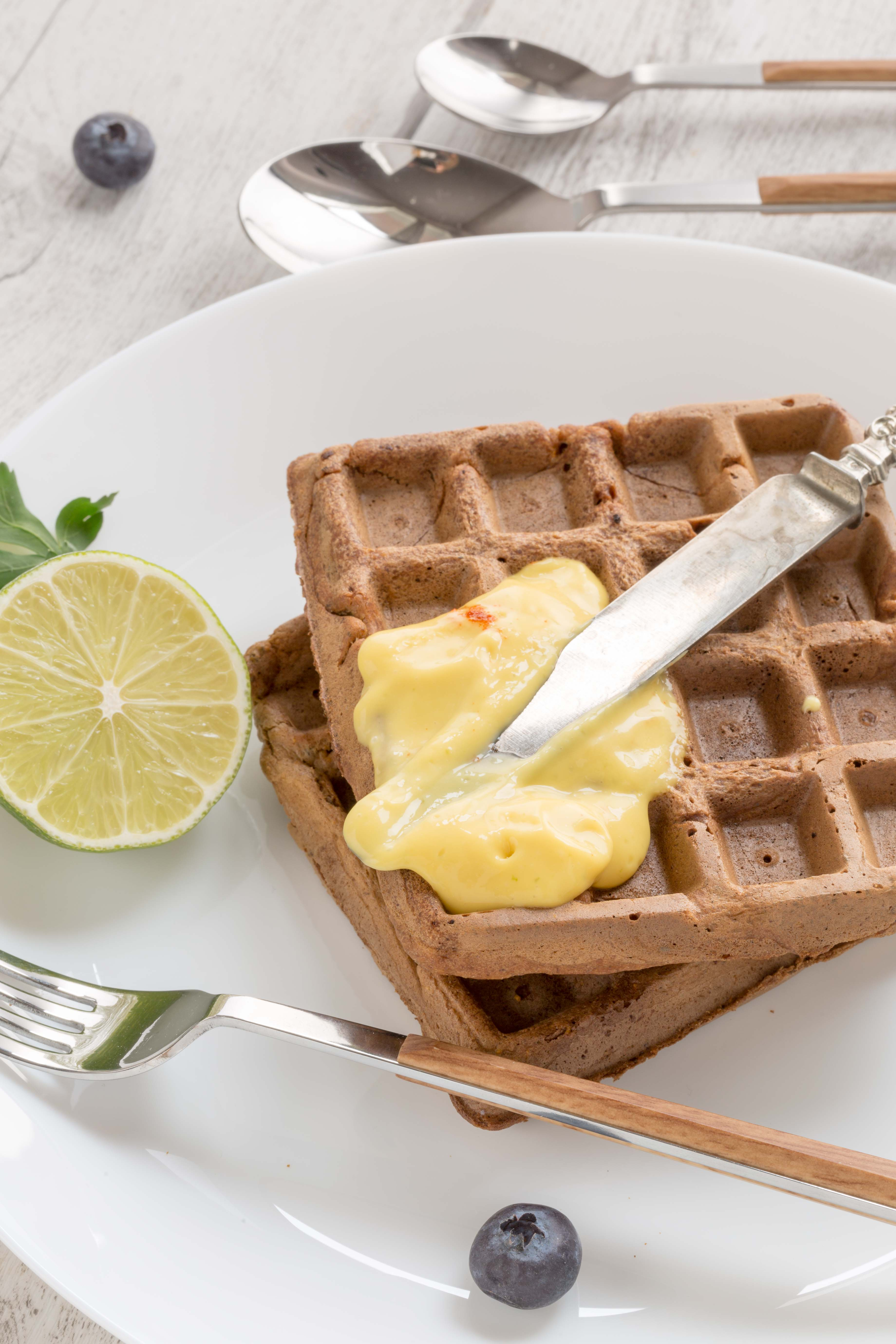 #vegan #glutenfree #mango #waffles sweet and savoiry / 2 types with mango vanilla sauce and mango mayo |waffles integrali mango senza uova con farina di riso
