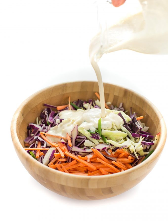 #vegan #coleslaw recipe with yogurt dressing - insalata di cavolo e carote- ricetta coleslaw light con dressing allo yogurt