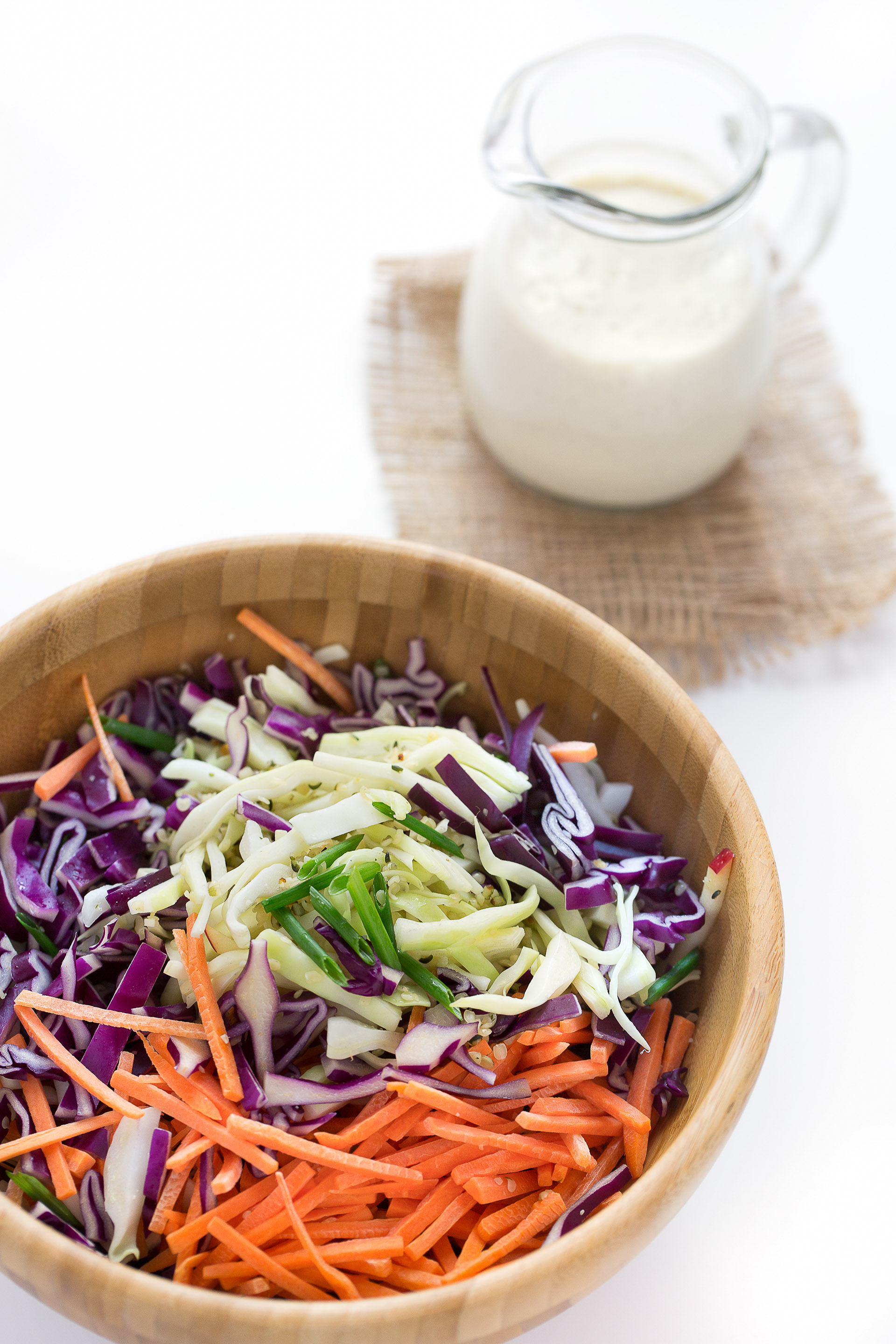 vegan coleslaw recipe with yogurt dressing - ricetta coleslaw light con dressing allo yogurt - insalata cavolo cappuccio e carote