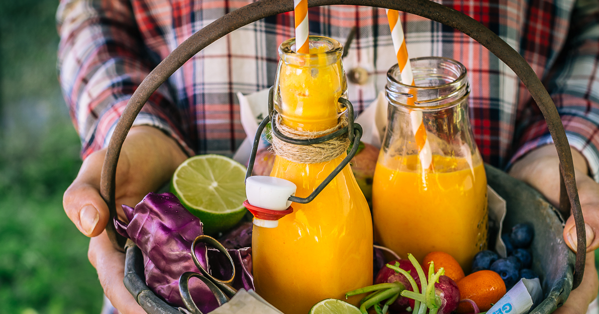 glowing skin Tropical carrot TURMERIC SMOOTHIE | tropical smoothie carote e curcuma vegan fb