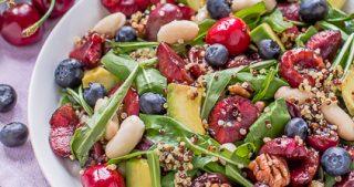 vegan balsamic cherry quinoa salad with blueberry #glutenfree - insalata di quinoa e ciliegie all'aceto balsamico e mirtilli