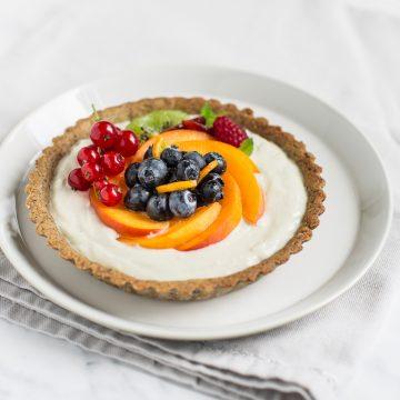 vegan buckwheat yogurt tart with fresh fruit #glutenfree - crostata al grano saraceno vegan con yogurt e frutta fresca