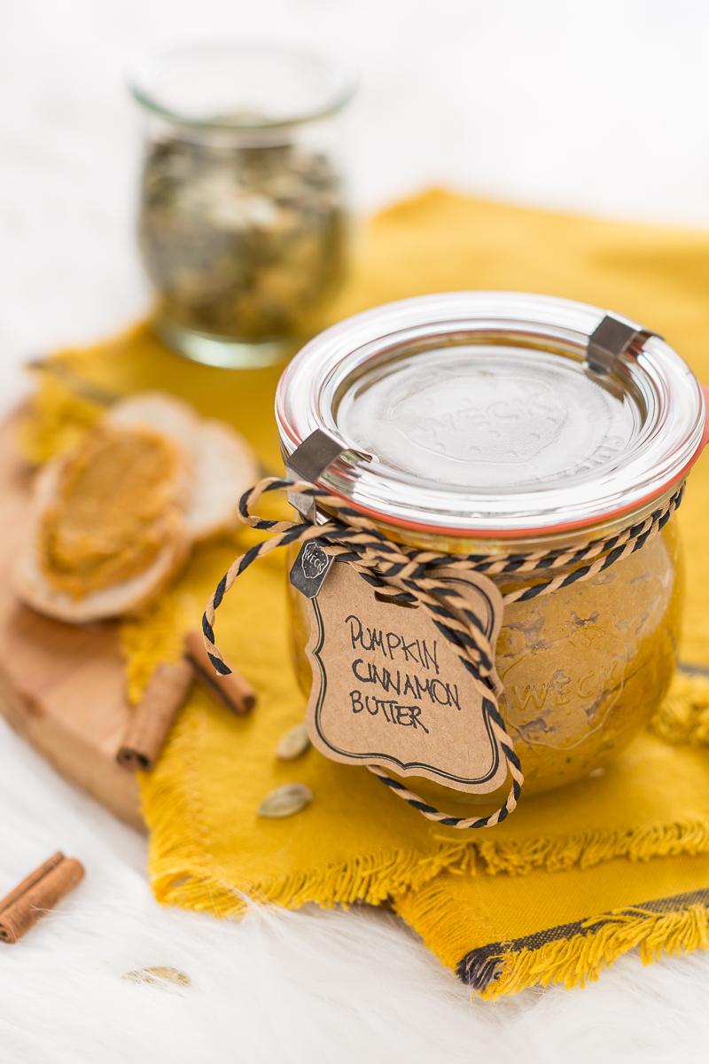 vegan pumpkin cinnamon butter - burro di zucca semi di zucca e cannella vegan senza zucchero