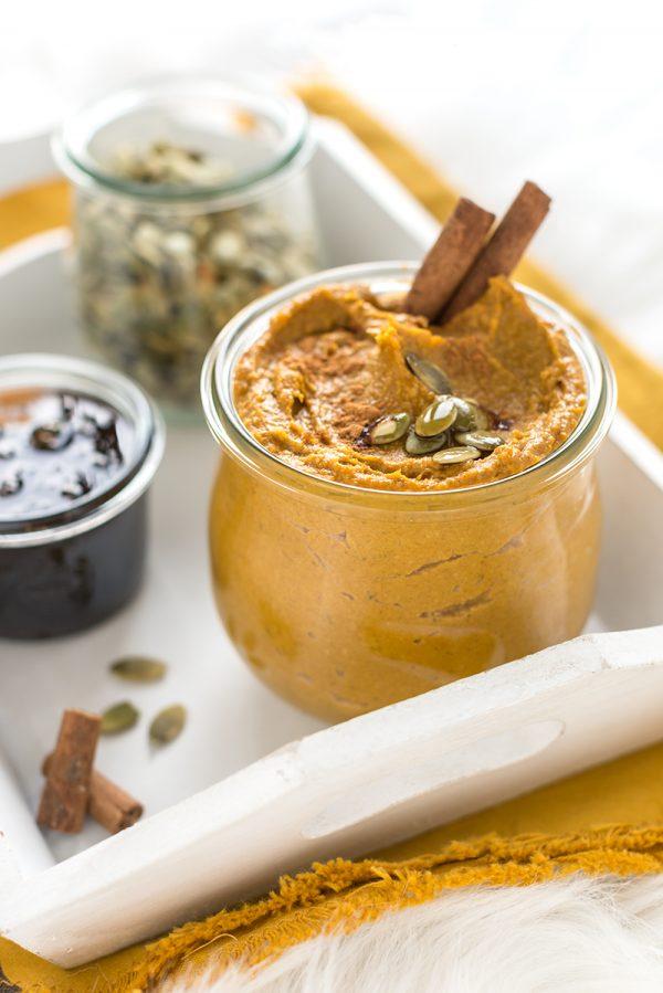 pumpkin cinnamon butter - burro di zucca semi di zucca e cannella vegan senza zucchero