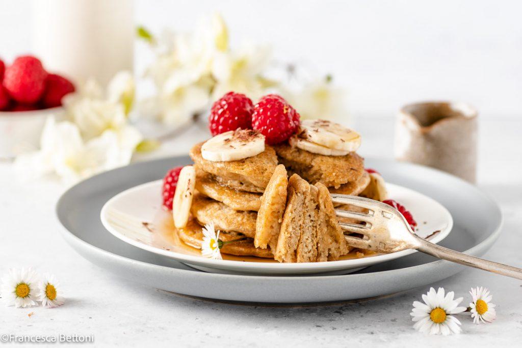 vegan gluten-free oatmeal pancakes recipe ricetta PANCAKES LIGHT senza uova senza glutine con avena