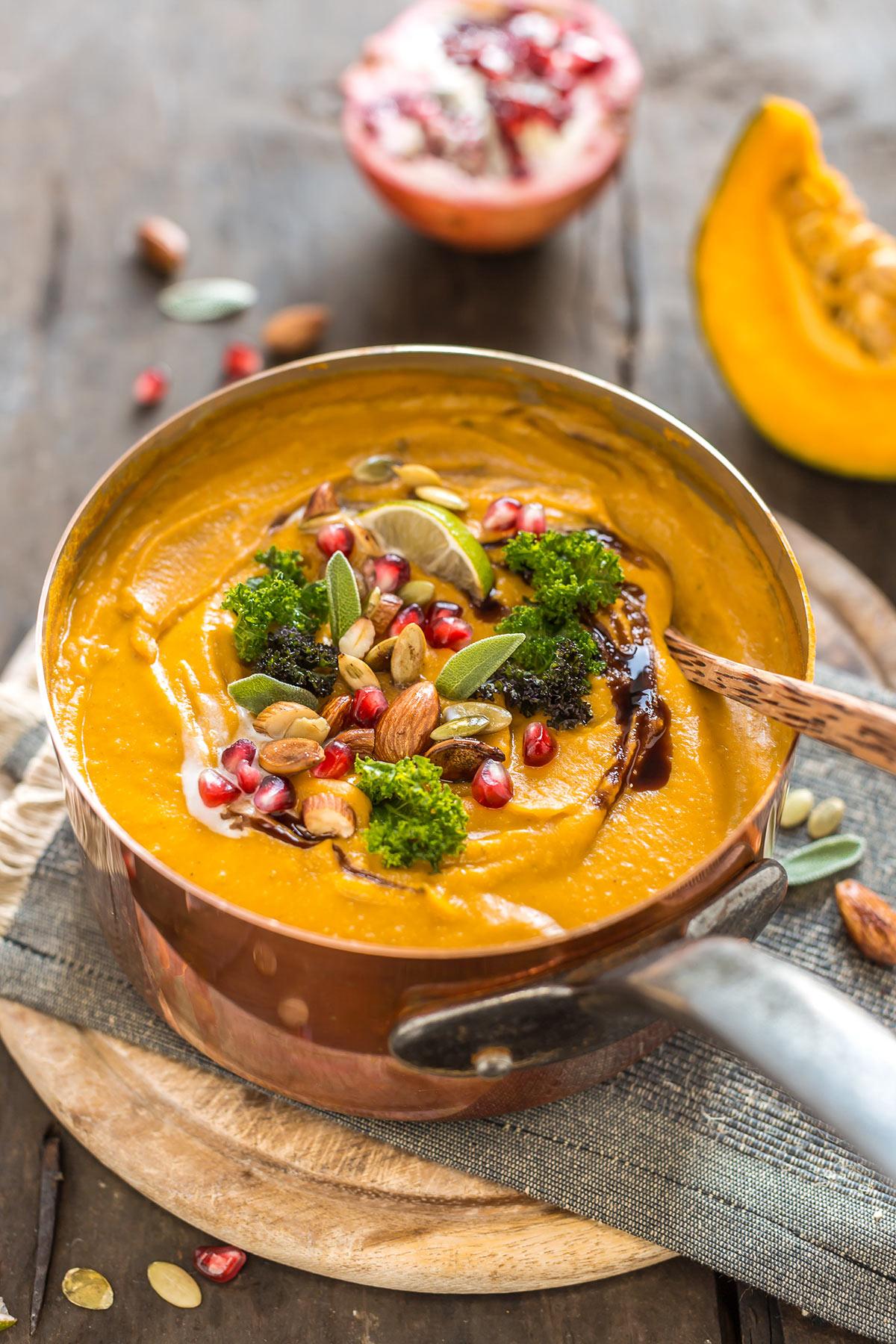 crema di zucca e lenticchie vegan senza glutine al latte di cocco e spezie vegan coconut pumpkin lentil soup - #pumpkin #soup #lentil #zucca