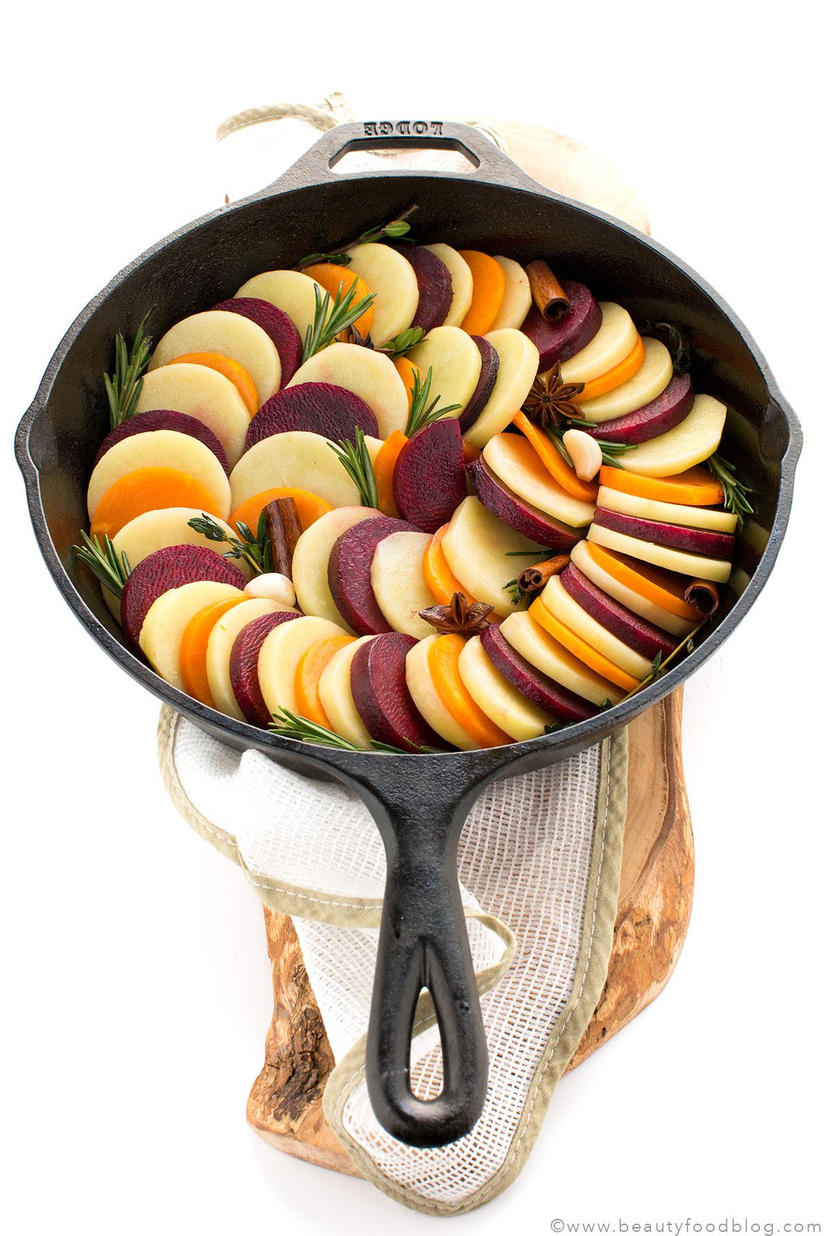 Ricetta RATATOUILLE INVERNALE di patate, barbabietola e zucca al forno - Vegan Autumn Tian Ratatouille recipe with potato, beet and pumpkin5