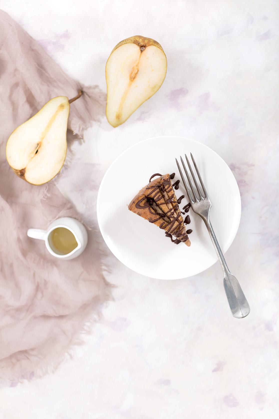light vegan pear chocolate cake - torta di pere senza burro senza uova senza zucchero vegan con cioccolato.jpg
