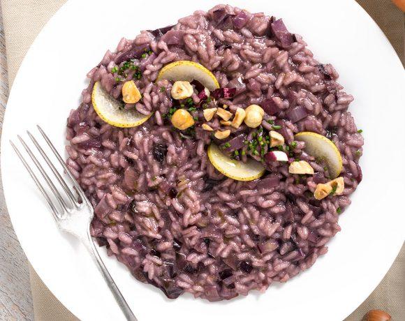radicchio and pear #vegan risotto with toasted hazelnuts #glutenfree - risotto al radicchio vegan con pere e nocciole tostate senza burro