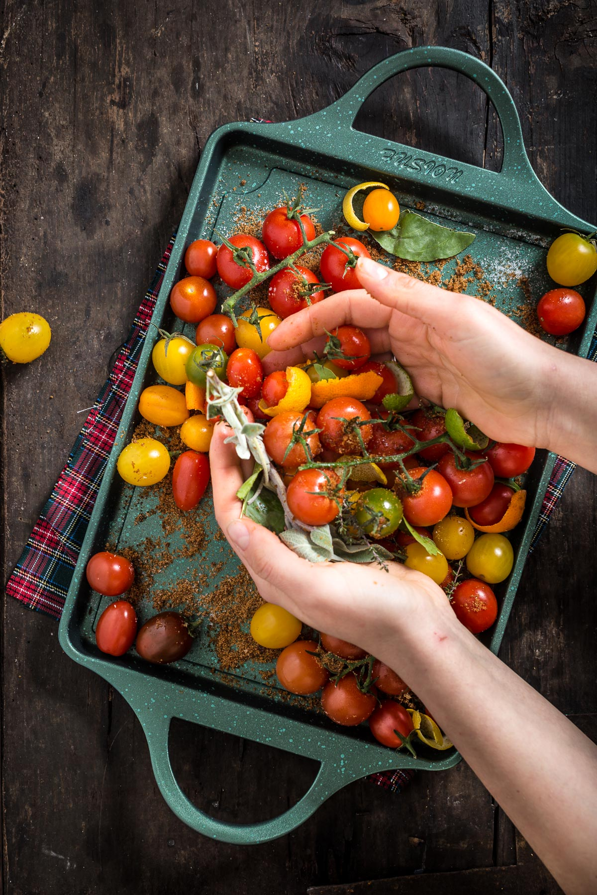 quick and easy cherry tomato confit recipe - ricetta pomodorini confit agli agrumi