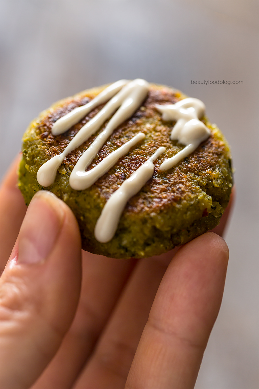vegan easy falafel with rosemary baked potatoes - ricetta falafel non fritti con patate dolci al forno al rosmarino