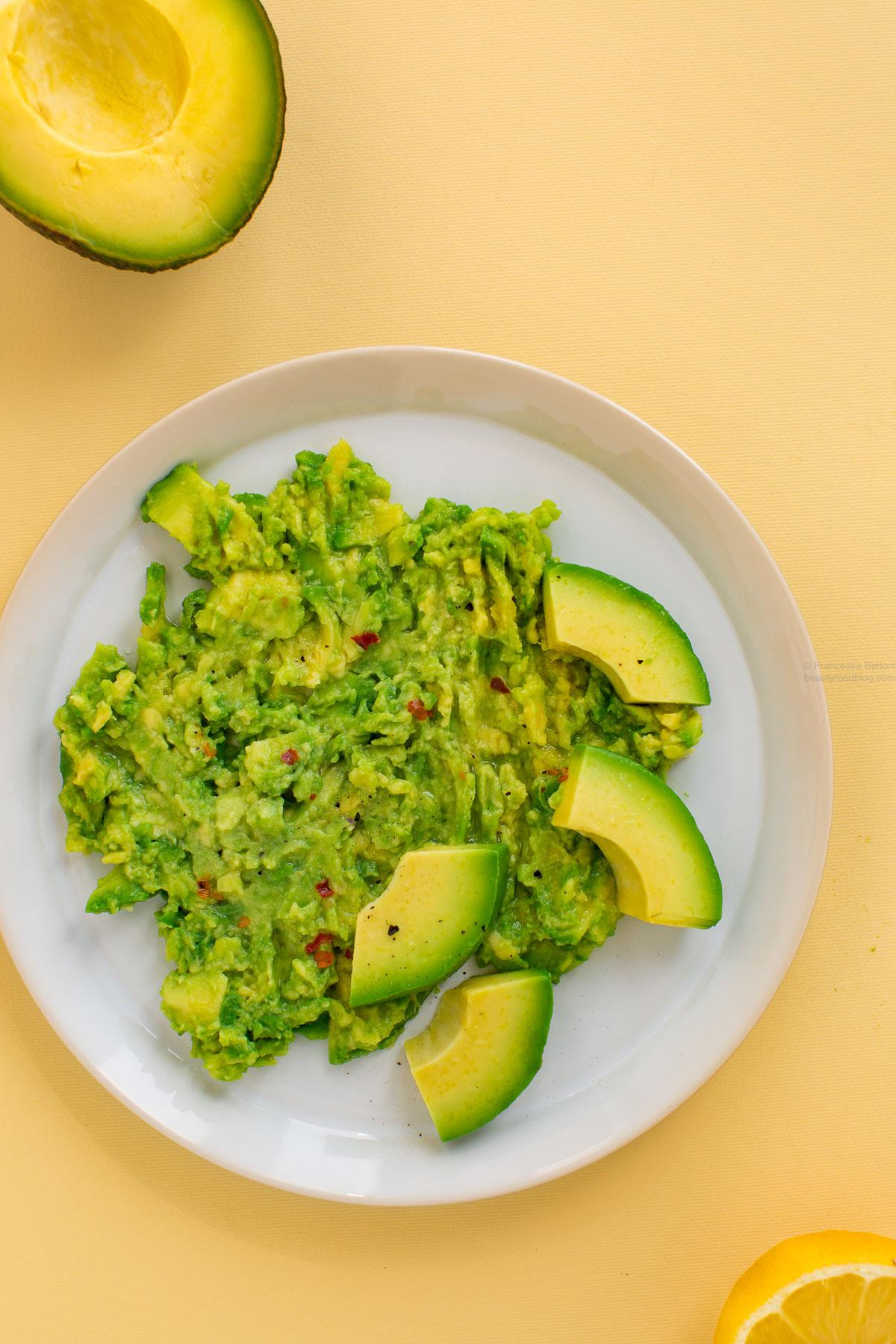 come preparare avocado toast vegan senza glutine - how to make a vegan glutenfree avocado toast recipe
