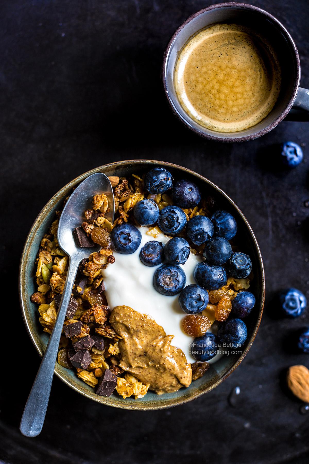 GRANOLA VEGAN CIOCCOLATO COCCO e MANDORLE – Croccante – Senza Glutine