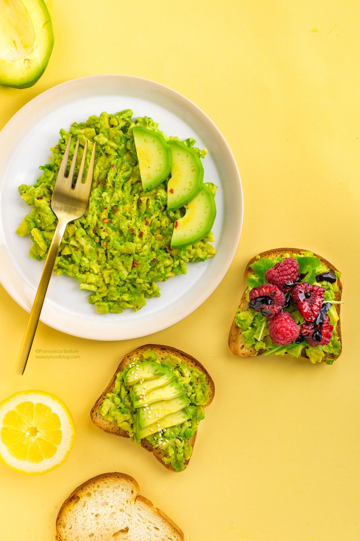 easy glutenfree vegan avocado toast recipe -ricetta avocado toast vegan senza glutine con lamponi facile e veloce