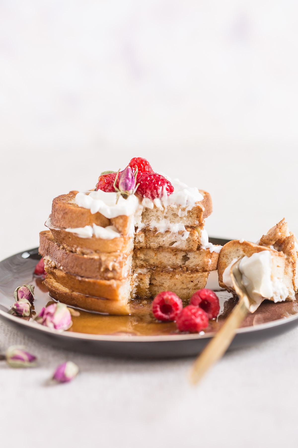 #VEGAN #glutenfree FRENCH TOAST recipe with vanilla and coconut whipped cream - ricetta FRENCH TOAST vegan senza glutine alla vaniglia in padella e al forno #senzaglutine