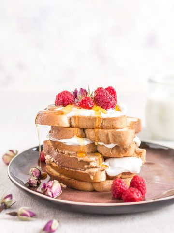 #vegan #glutenfree FRENCH TOAST recipe with vanilla and coconut whipped cream - FRENCH TOAST VEGAN SENZA GLUTINE alla vaniglia in padella e al forno