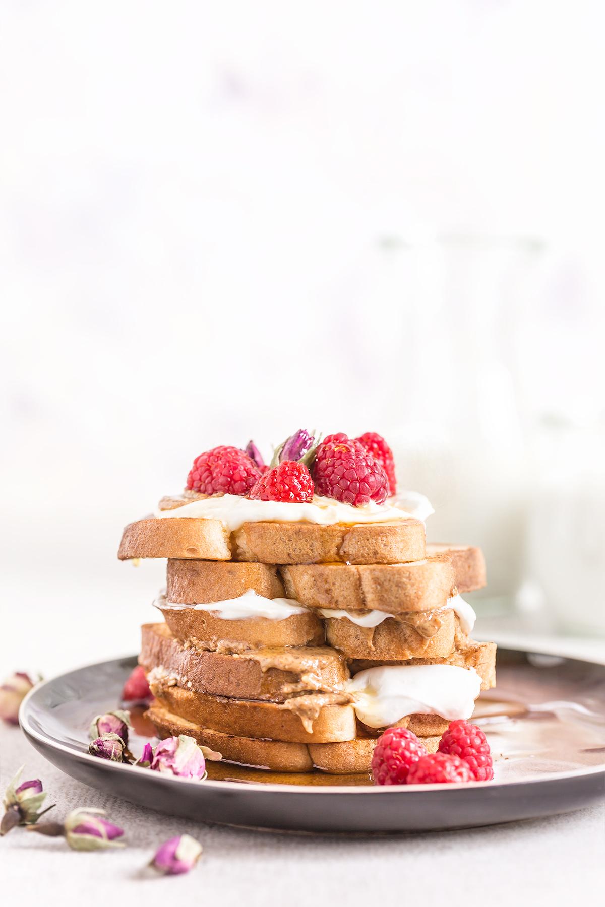 #vegan #glutenfree FRENCH TOAST recipe with vanilla and coconut whipped cream - ricetta FRENCH TOAST VEGAN SENZA GLUTINE alla vaniglia in padella e al forno