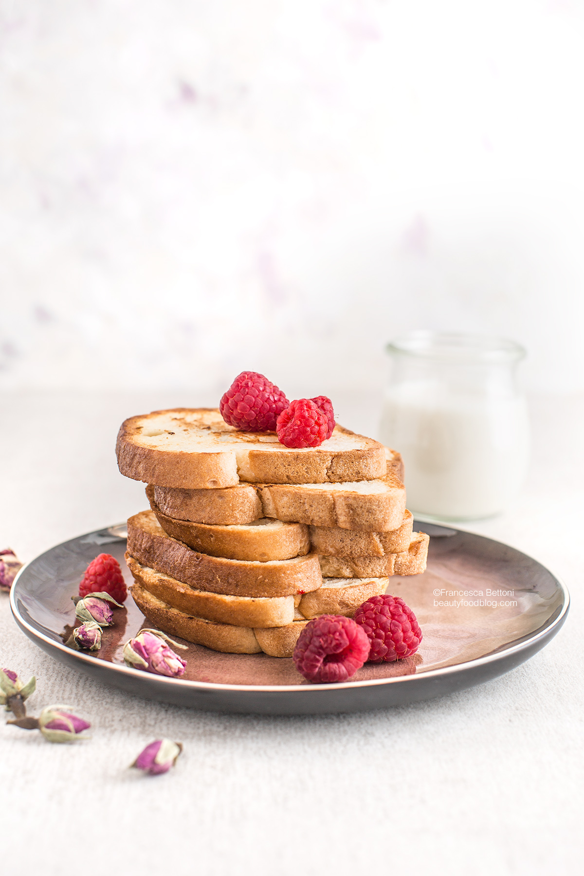 #vegan #glutenfree FRENCH TOAST with coconut whipped cream - FRENCH TOAST #VEGAN SENZA GLUTINE alla vaniglia in padella e al forno