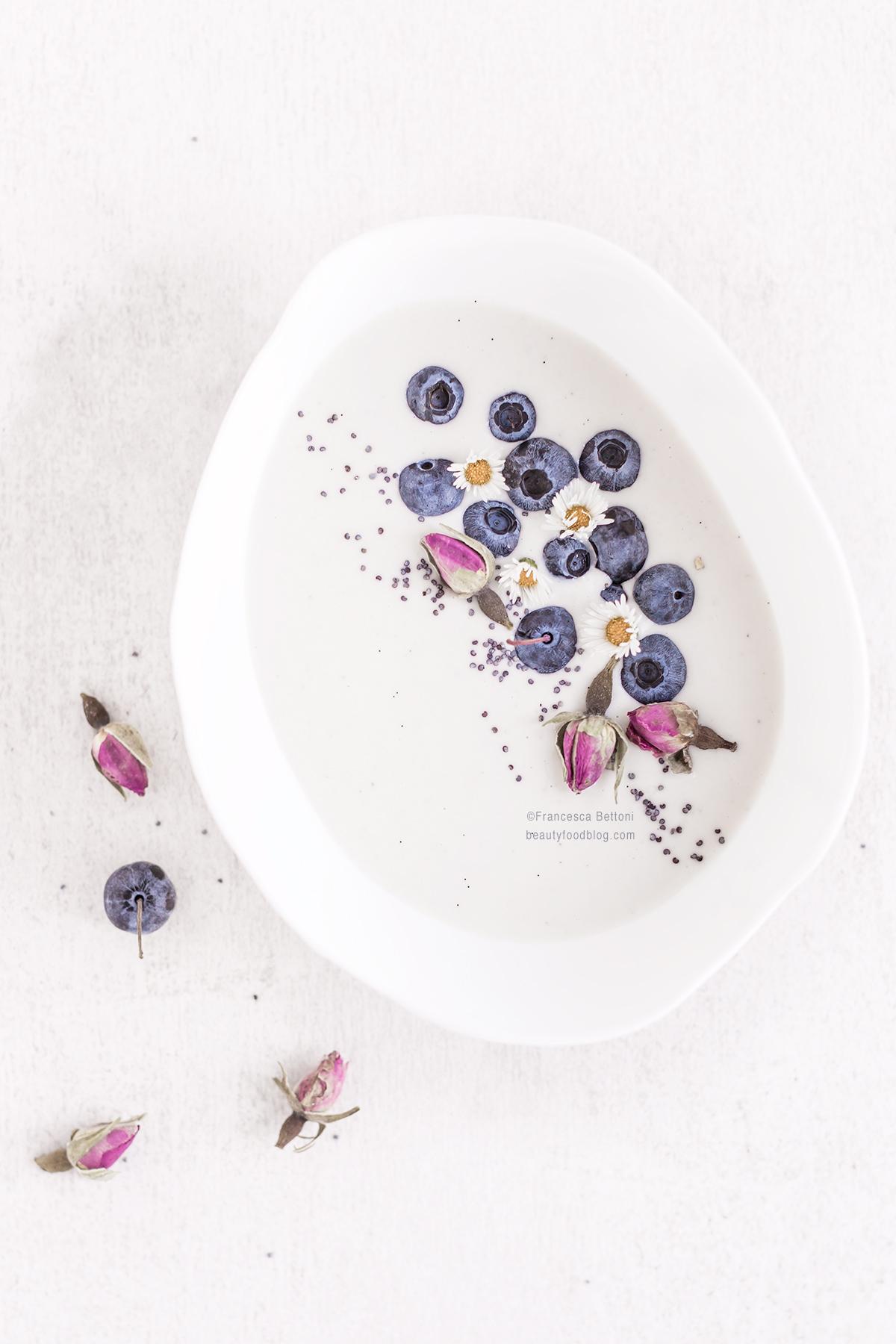 easy homemade vegan yogurt recipe - how to make homemade vegan cashew yogurt - ricetta yogurt vegan fatto in casa senza yogurtiera raw agli anacardi o mandorle