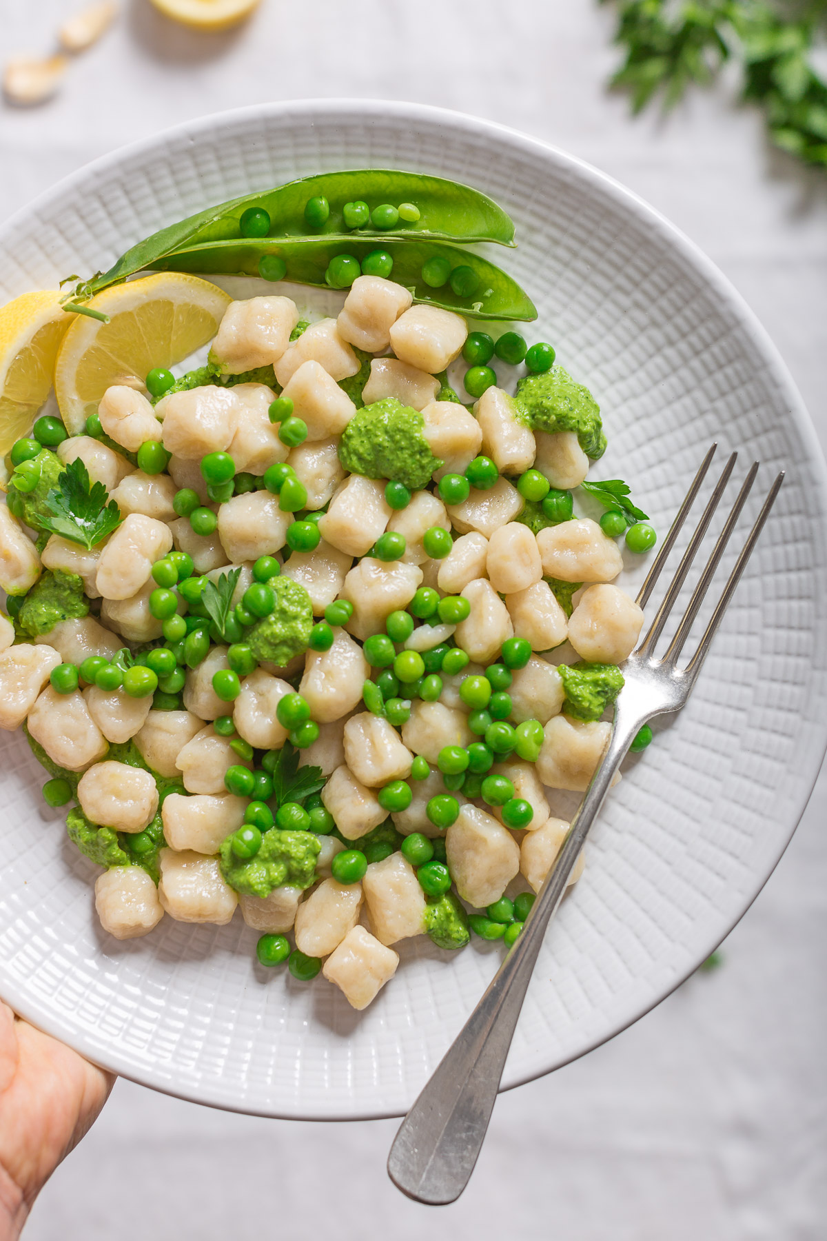 VEGAN LEMON GNOCCHI recipe with PEA PESTO #vegan #glutenfree or with whole spelt flour - GNOCCHI AL LIMONE SENZA UOVA con PESTO DI PISELLI ricetta vegan senza glutine o con farina di farro integrale
