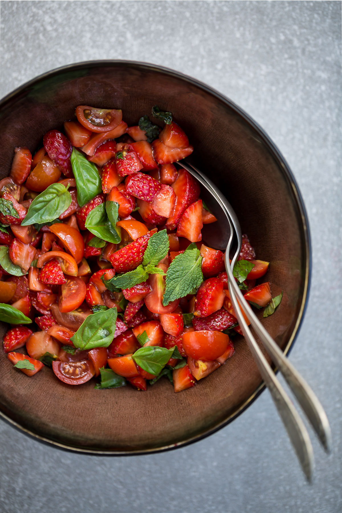 STRAWBERRY TOMATO BALSAMIC BRUSCHETTA with ricotta cheese #glutenfree -bruschette FRAGOLE e POMODORINI all'aceto balsamico #vegan #senzaglutine con ricotta #glutenfree #strawberry #tomato #balsamic #bruschetta
