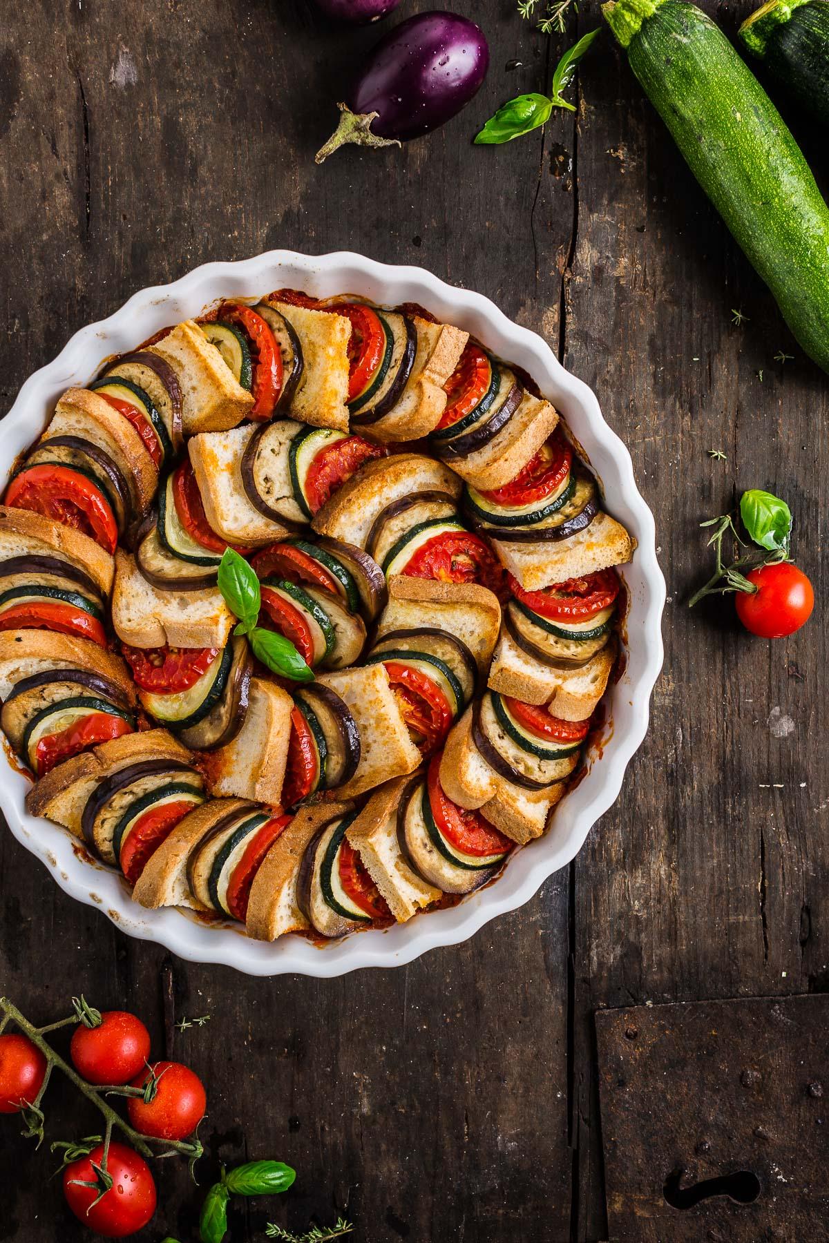 VEGETABLE BREAD RATATOUILLE TIAN recipe - TIAN RATATOUILLE di pane senza glutine con verdure melanzane zucchine pomodori