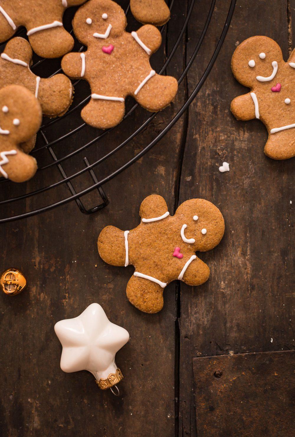 delicious vegan gingerbread man vegani - biscotti pan di zenzero vegani croccanti e friabili #vegan gingerbread