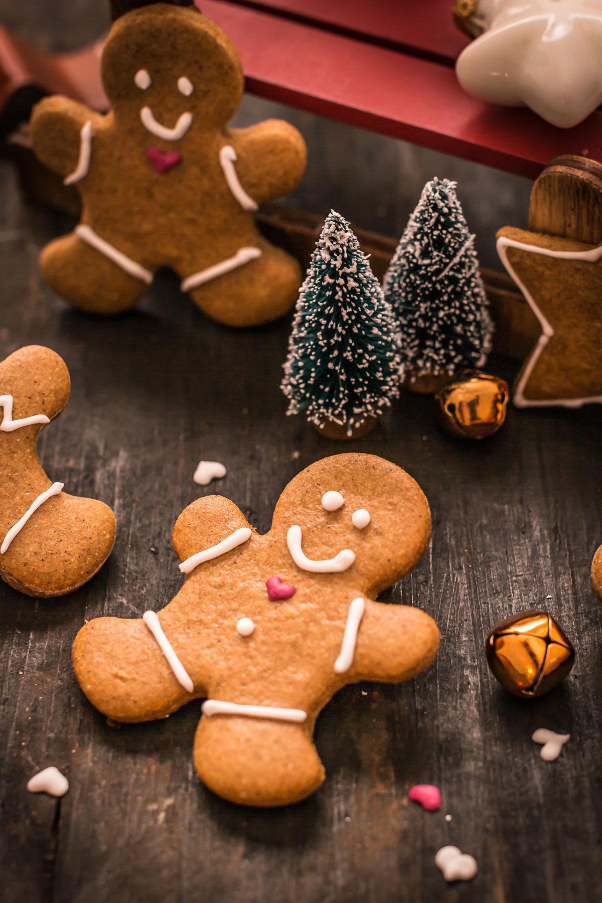 delicious vegan gingerbread man vegani - biscotti pan di zenzero vegani croccanti leggeri e friabili #vegan gingerbread man